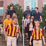 Photo of students walking campus with Orientation Leaders